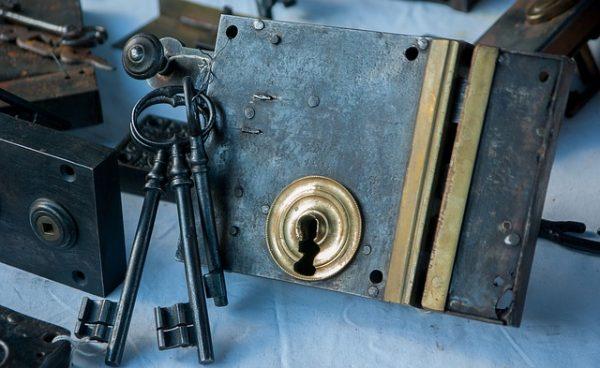 Der Schlüsseldienst Düsseldorf Holthausen öffnet jede Tür sicher und schnell